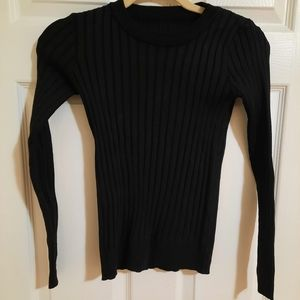 Scoop neck ripped sweater